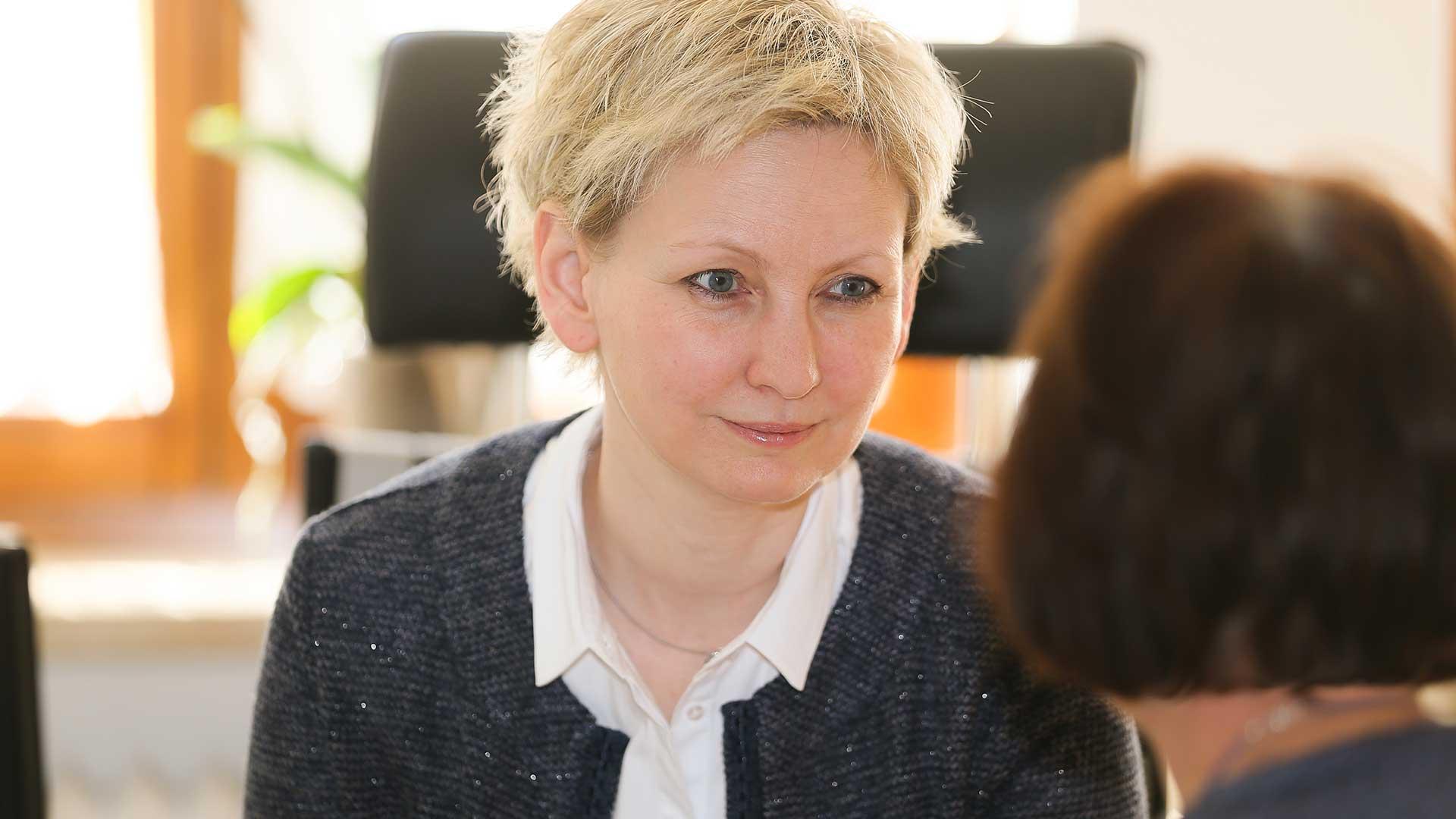 Mediatorin Frau Ebner
